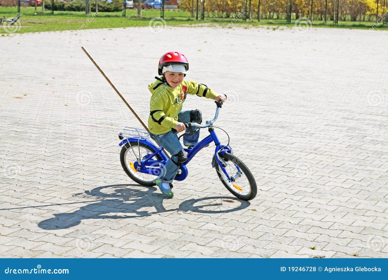 Kid Learns To Ride A Bike Video