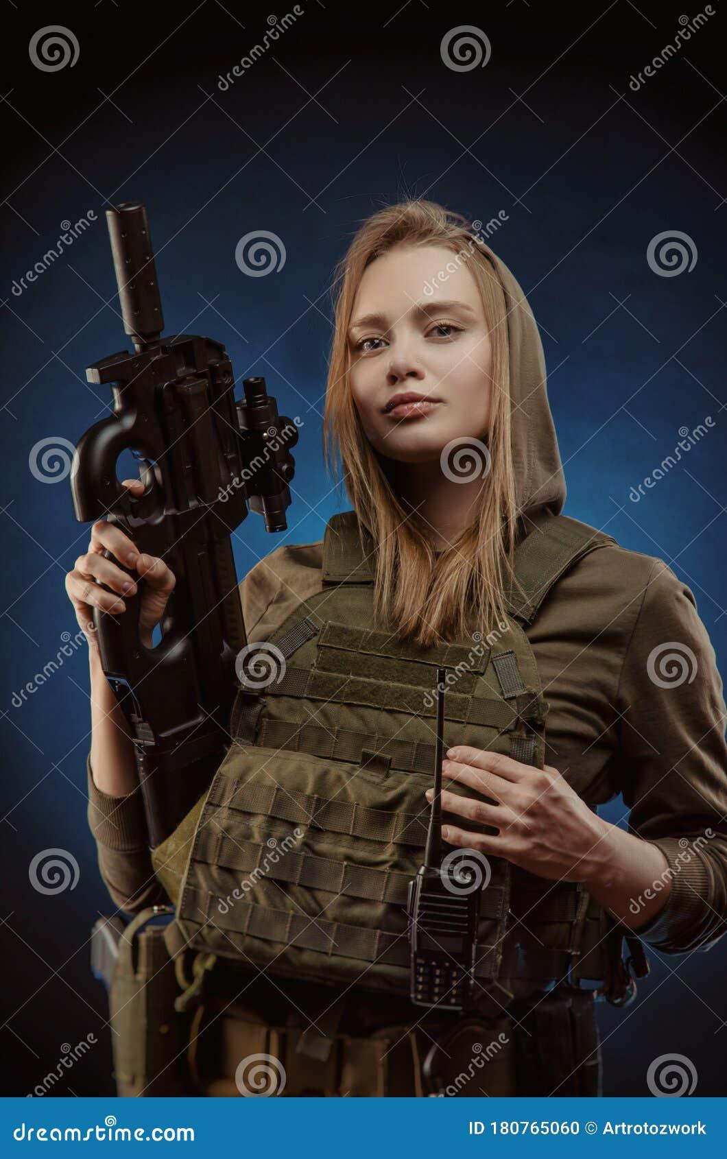 Woman Holding Gun Royalty Free Stock Photography - Image