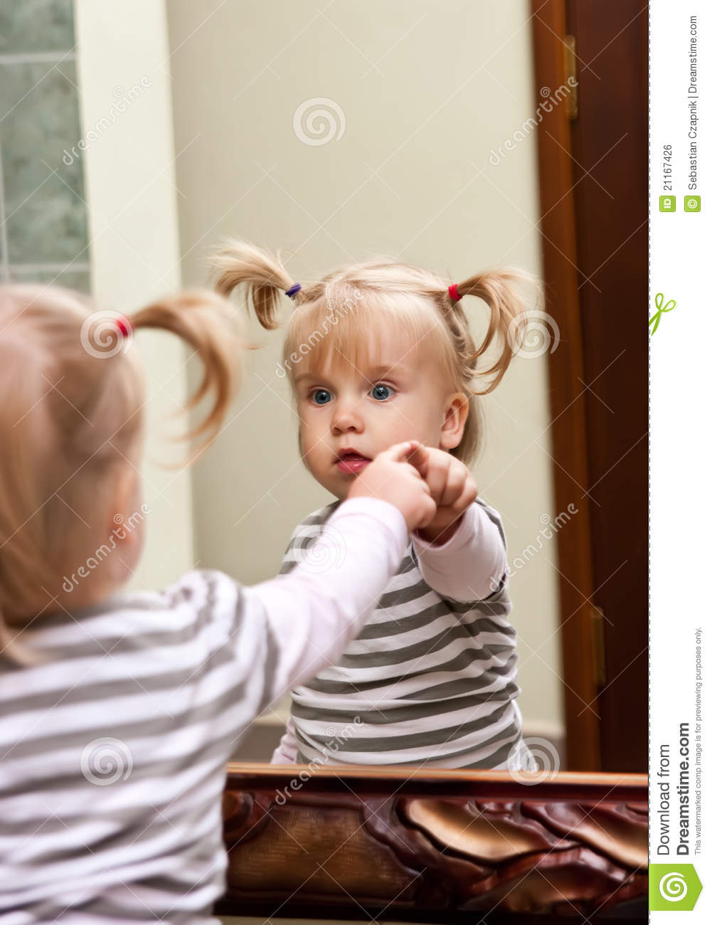 Girl and mirror royalty free stock image image 21167426 for Mirror 7th girl
