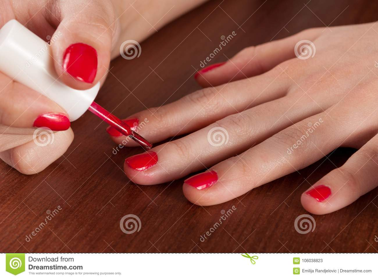 Attrayant How To Get Nail Varnish Off Wood Furniture