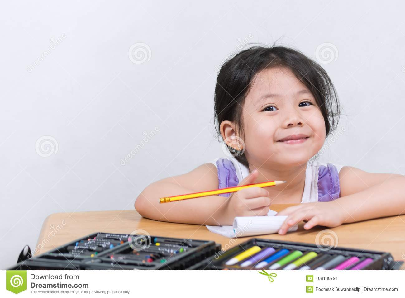 Cute Little Asian Girls Enjoy Drawing Art Stock Image