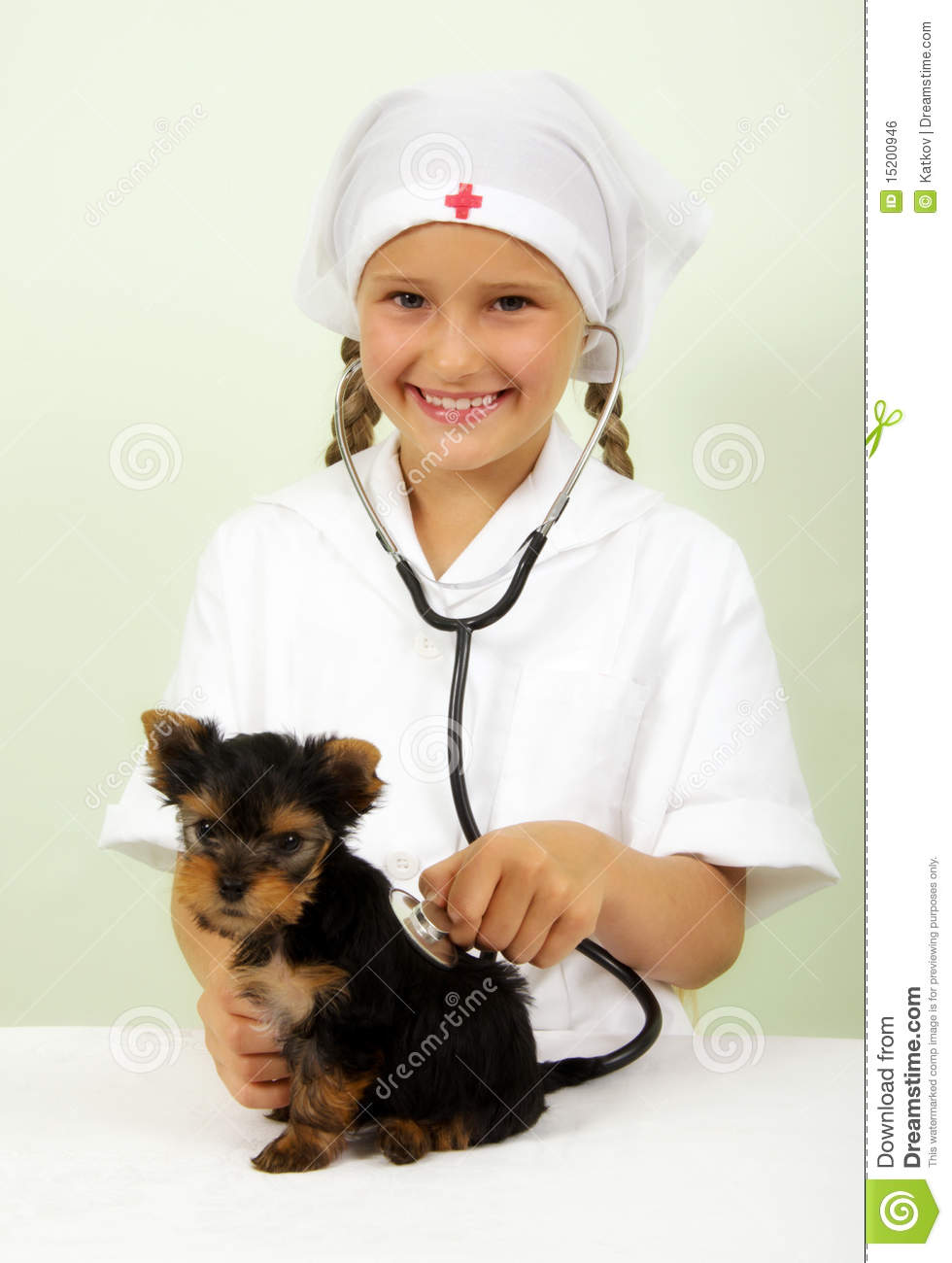 veterinar kid Girl Playing Veterinarian Royalty Free Stock Image 15200946
