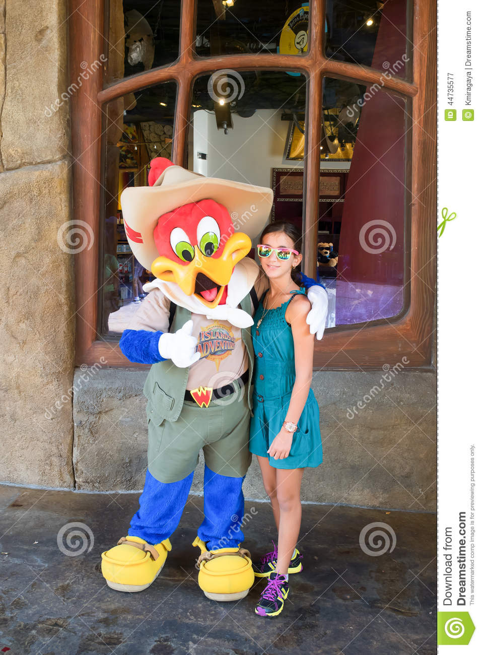 foto de Girl Posing With Woody Woodpecker Editorial Photography