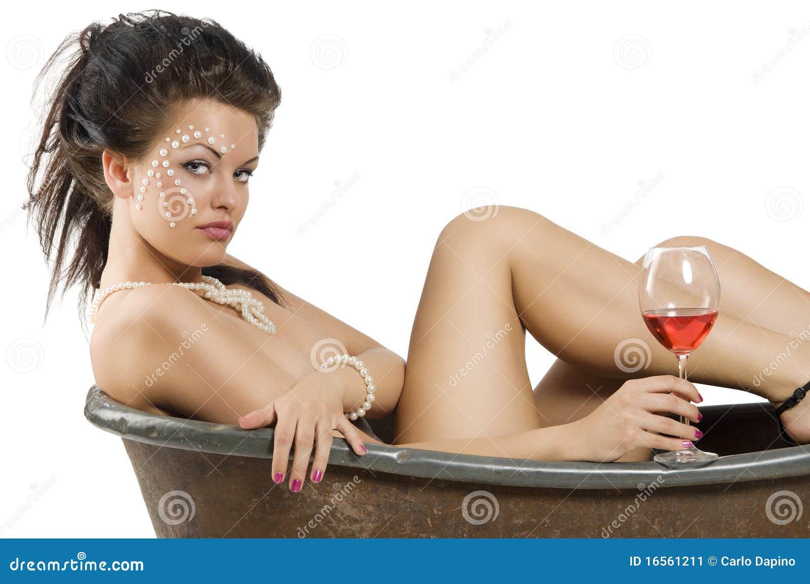 zasveti-devushek-podsmatrivaemie-nyu-devushka-odna-na-troih-v-grubom-sekse