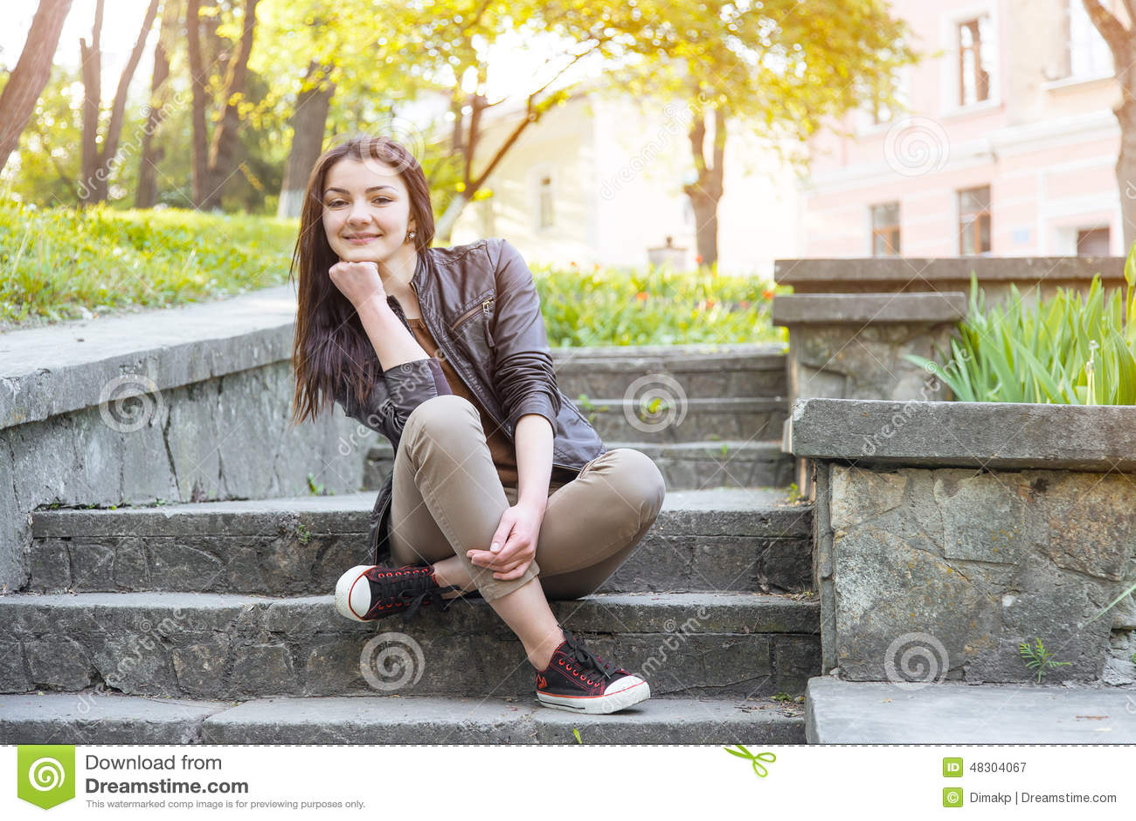 Трахнул на ступеньках, Мимолетный секс на лестнице » Порно онлайн в хорошем 20 фотография