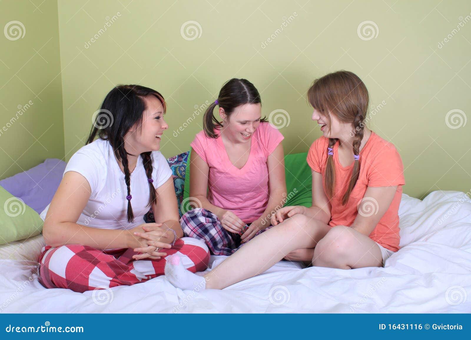 teen girls nude at sleep over