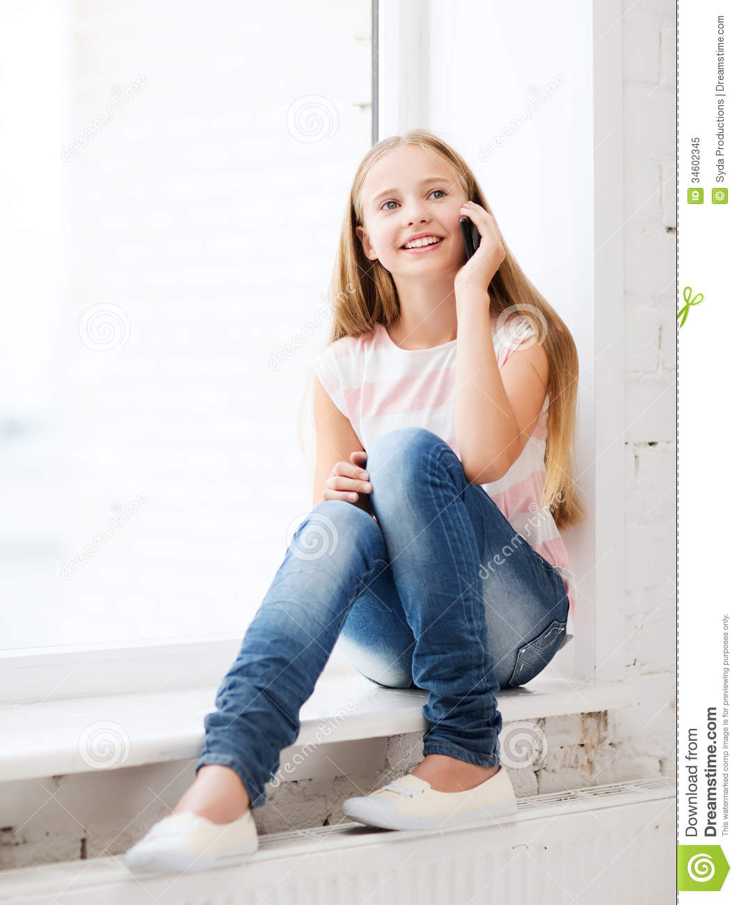 Schools Education6 25 18students: Girl With Smartphone At School Stock Image
