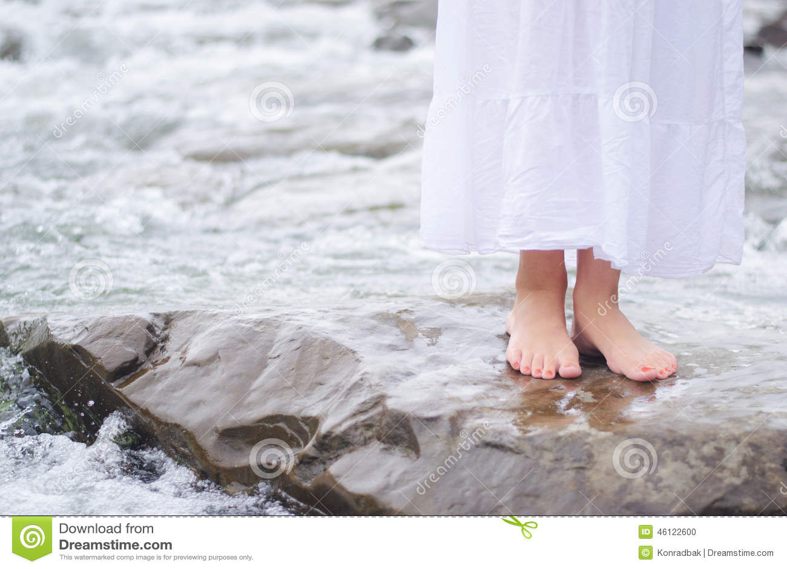 Streaming foot