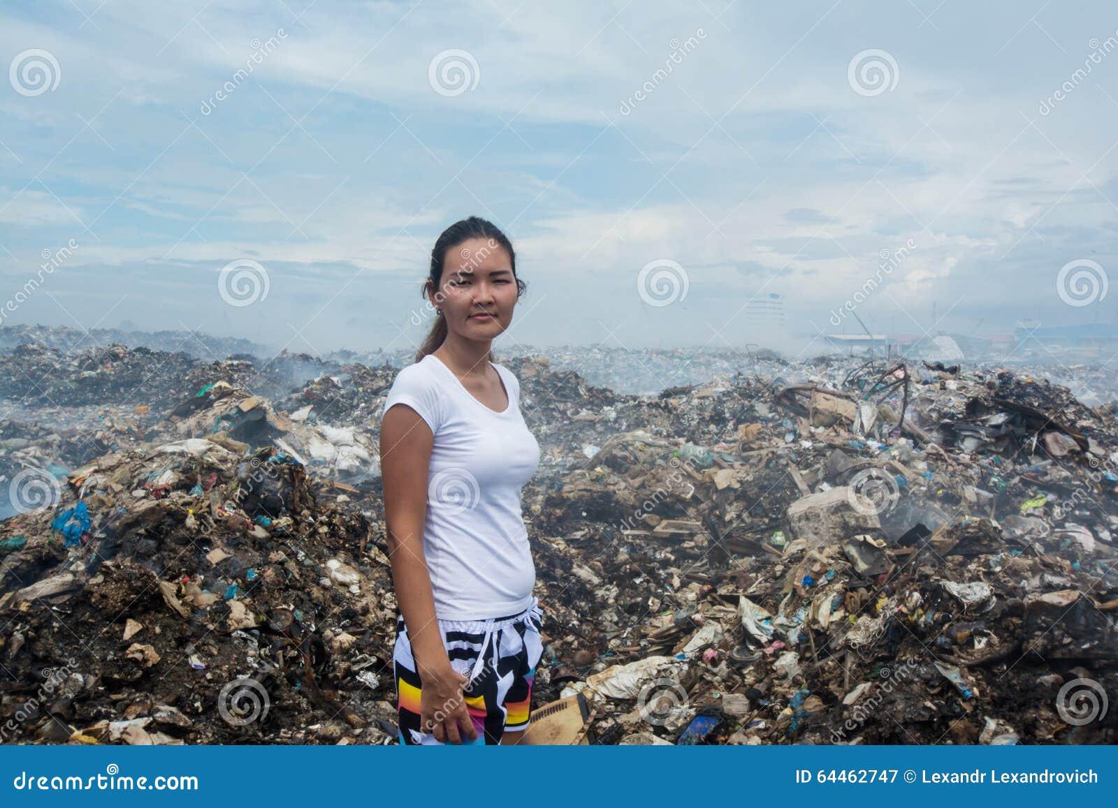 free standing trash