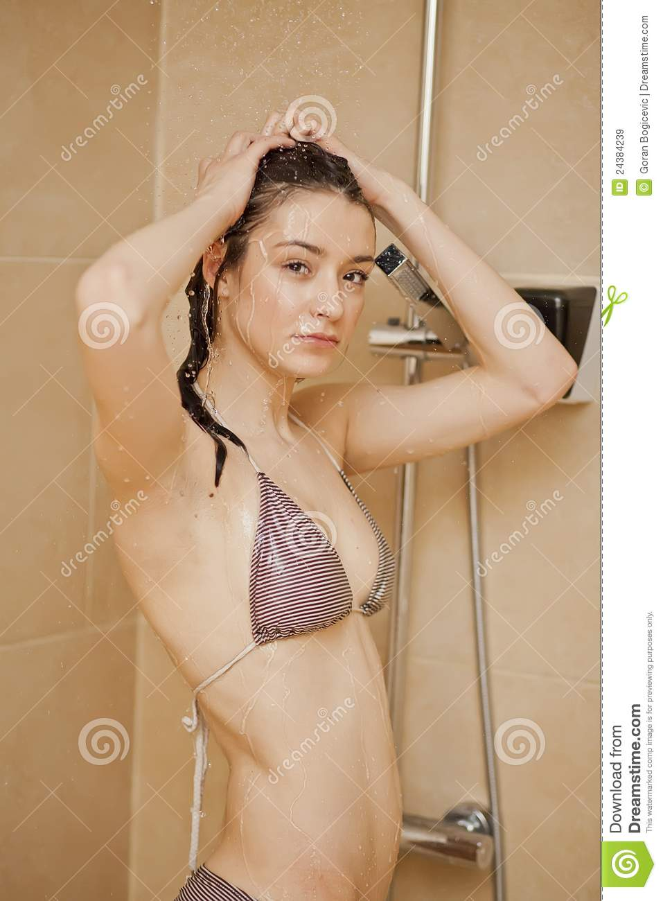 girls takeing a shower