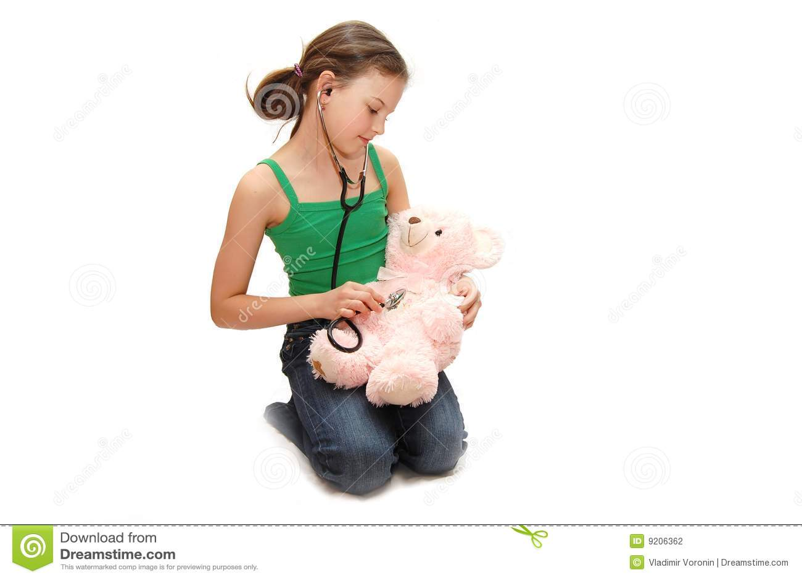 The girl the teenager treats a bear