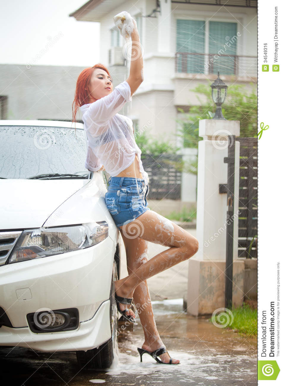 car girls asian girls washing cars. Black Bedroom Furniture Sets. Home Design Ideas