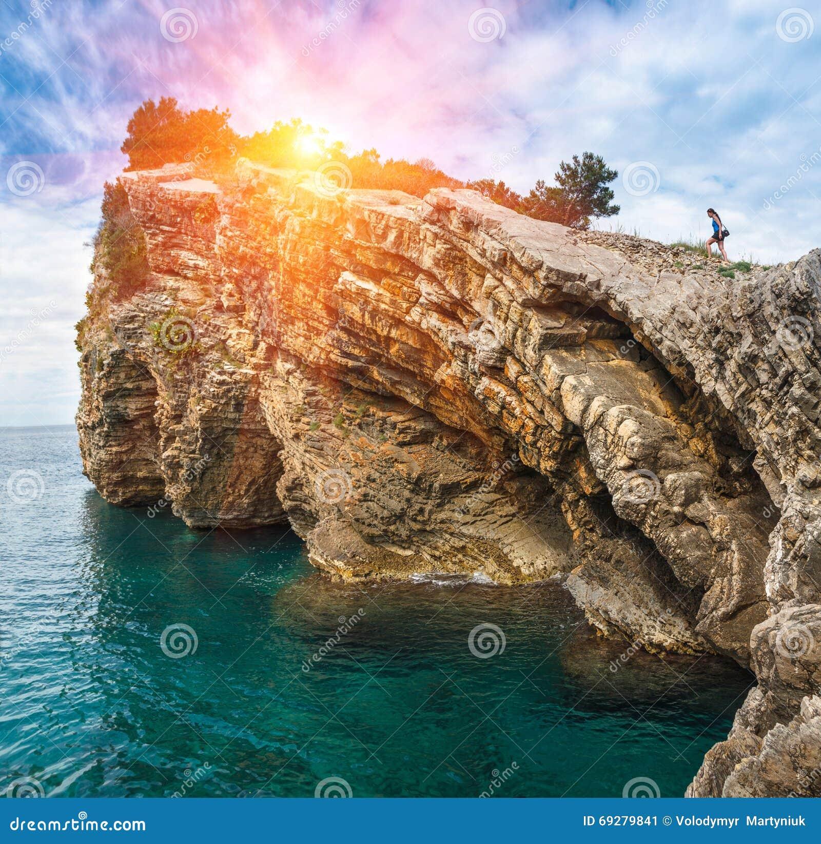cliff island single girls Kids-in-mind.