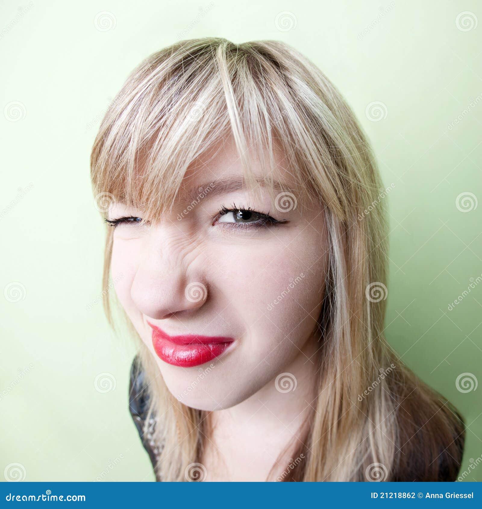 Если некрасивый нос у девушки фото