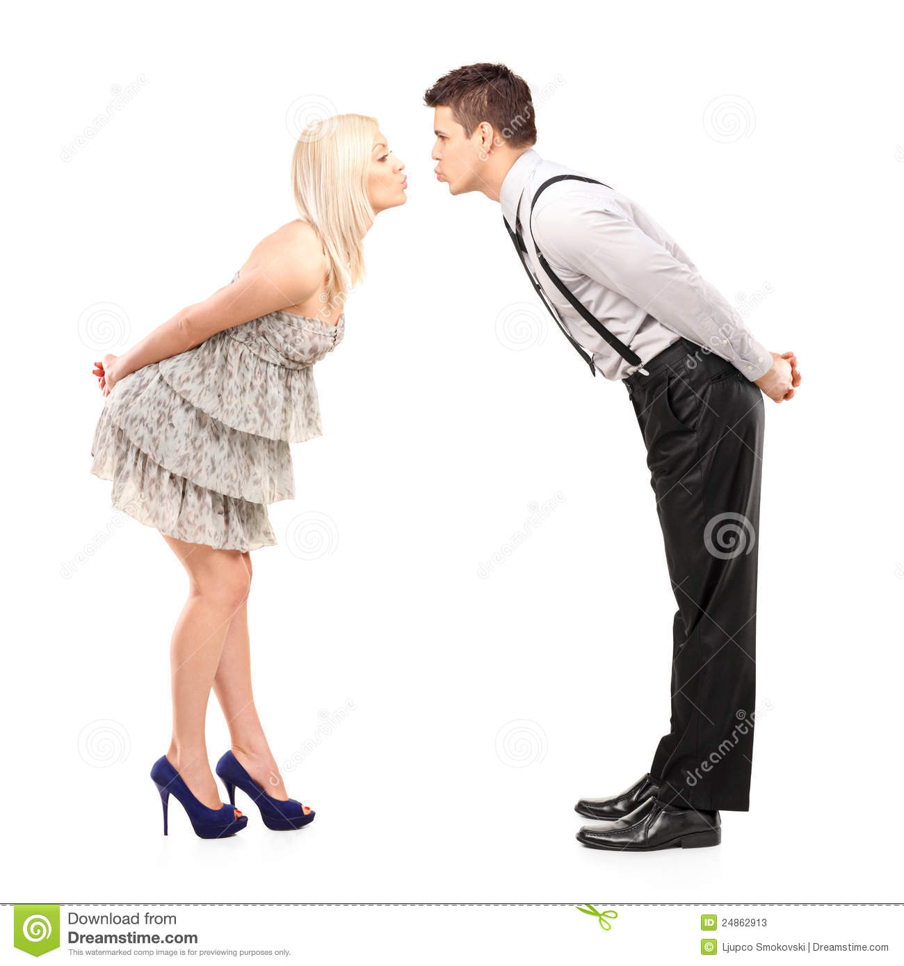 Dating relationship at adolescence 9