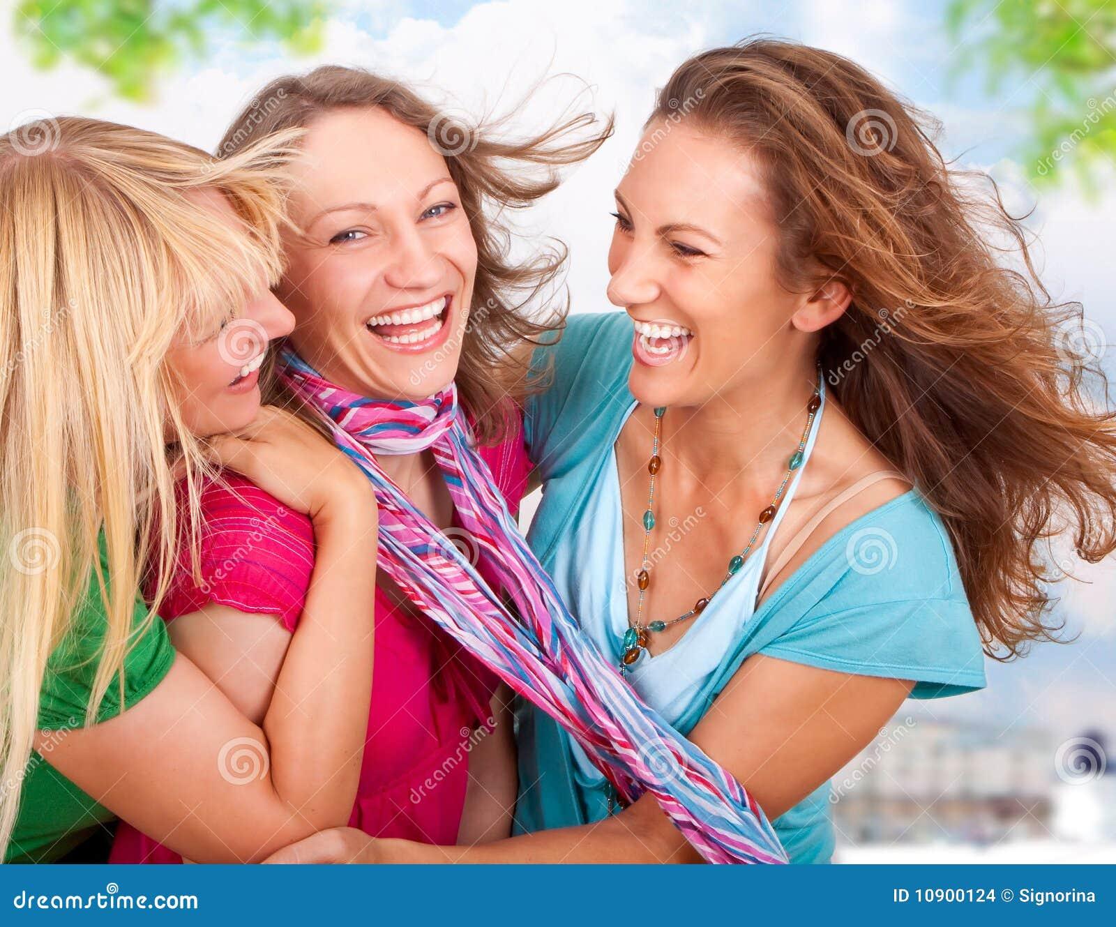 Фото веселые подружки 11 фотография