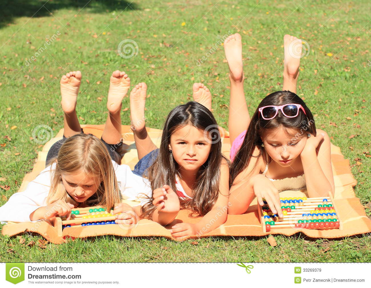 https://thumbs.dreamstime.com/z/girls-abacuses-three-lying-little-barefoot-girl-playing-two-colorful-33269379.jpg