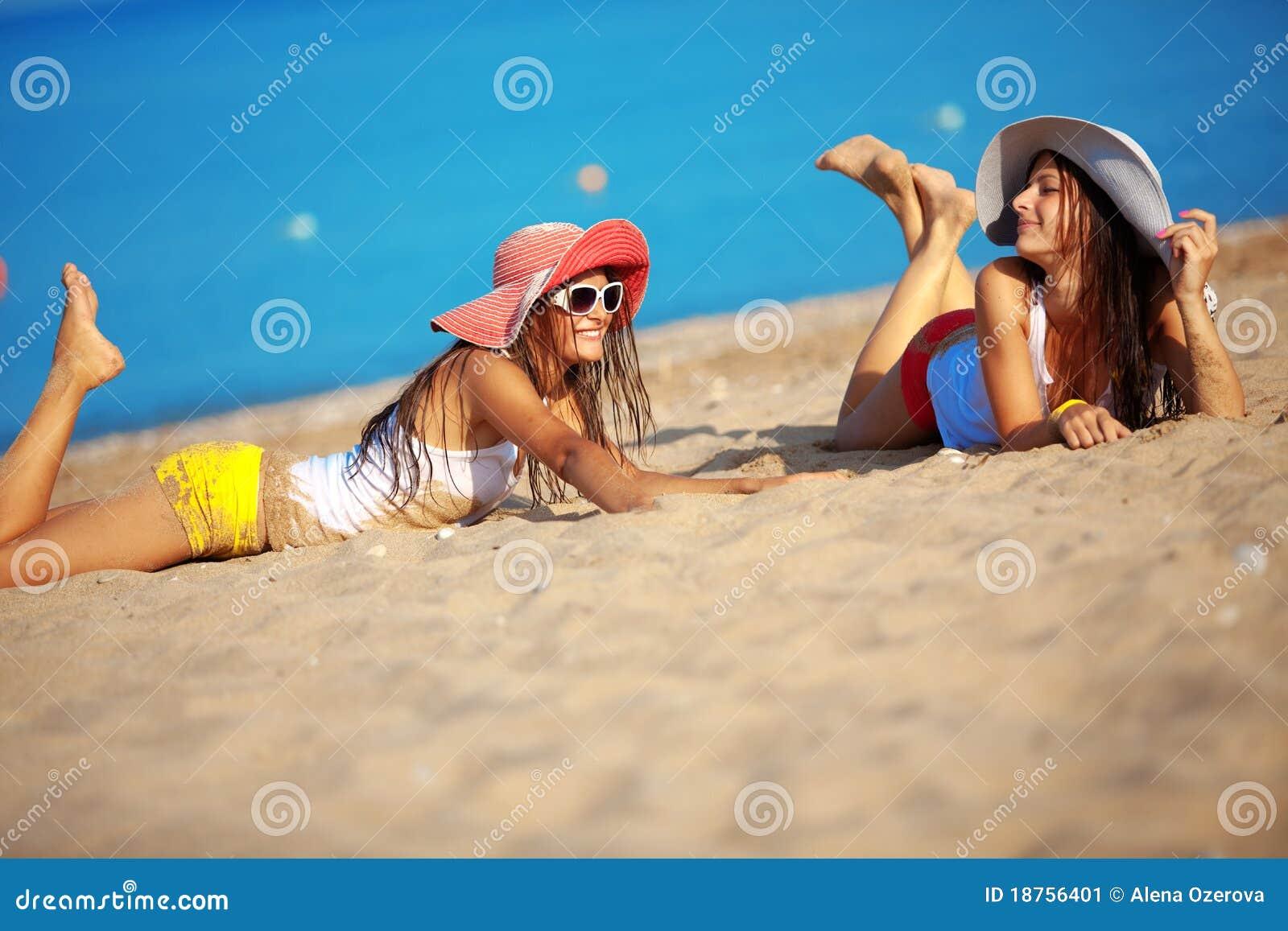 Египет фото девушек на пляже