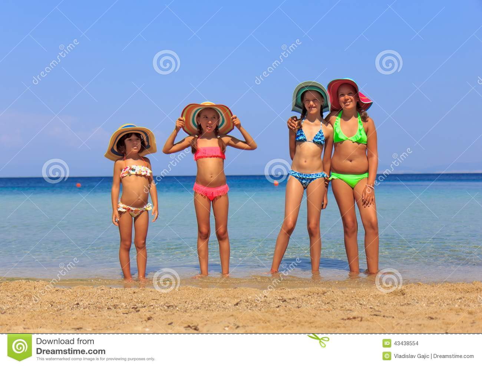 Детские фото с нудиского пляжа