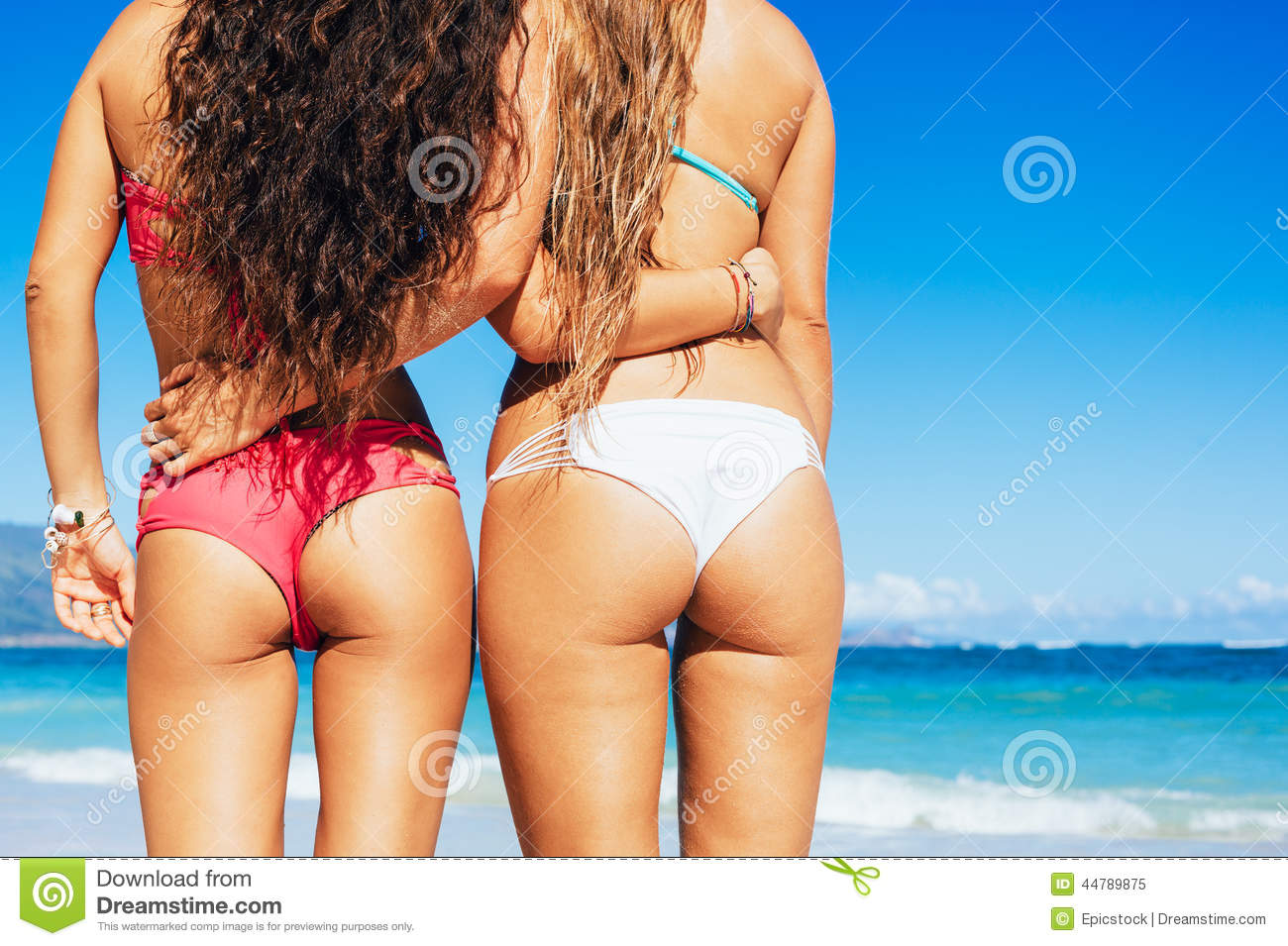 Sexy butts on the beach
