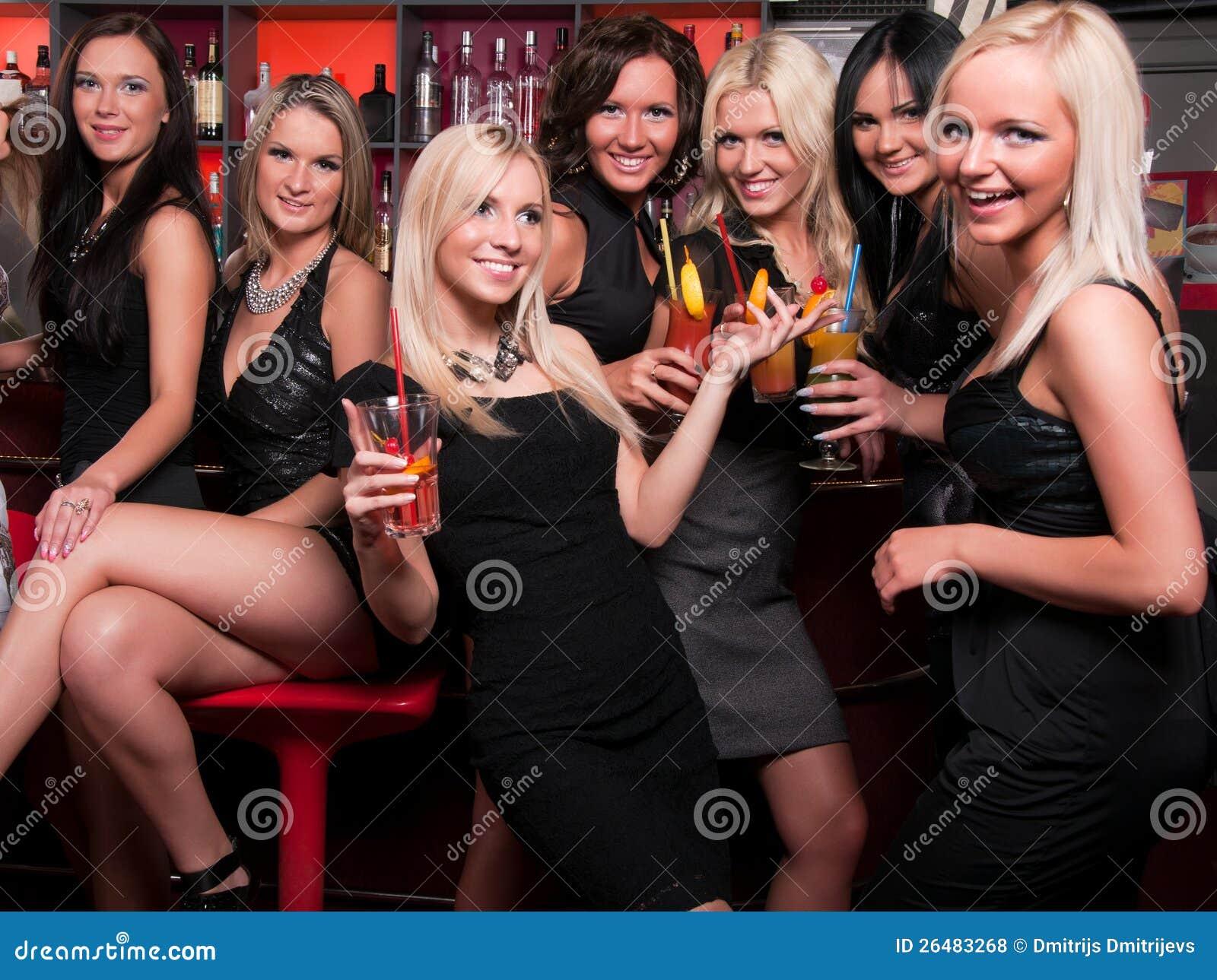 Фото девушек в московских клубах 24 фотография
