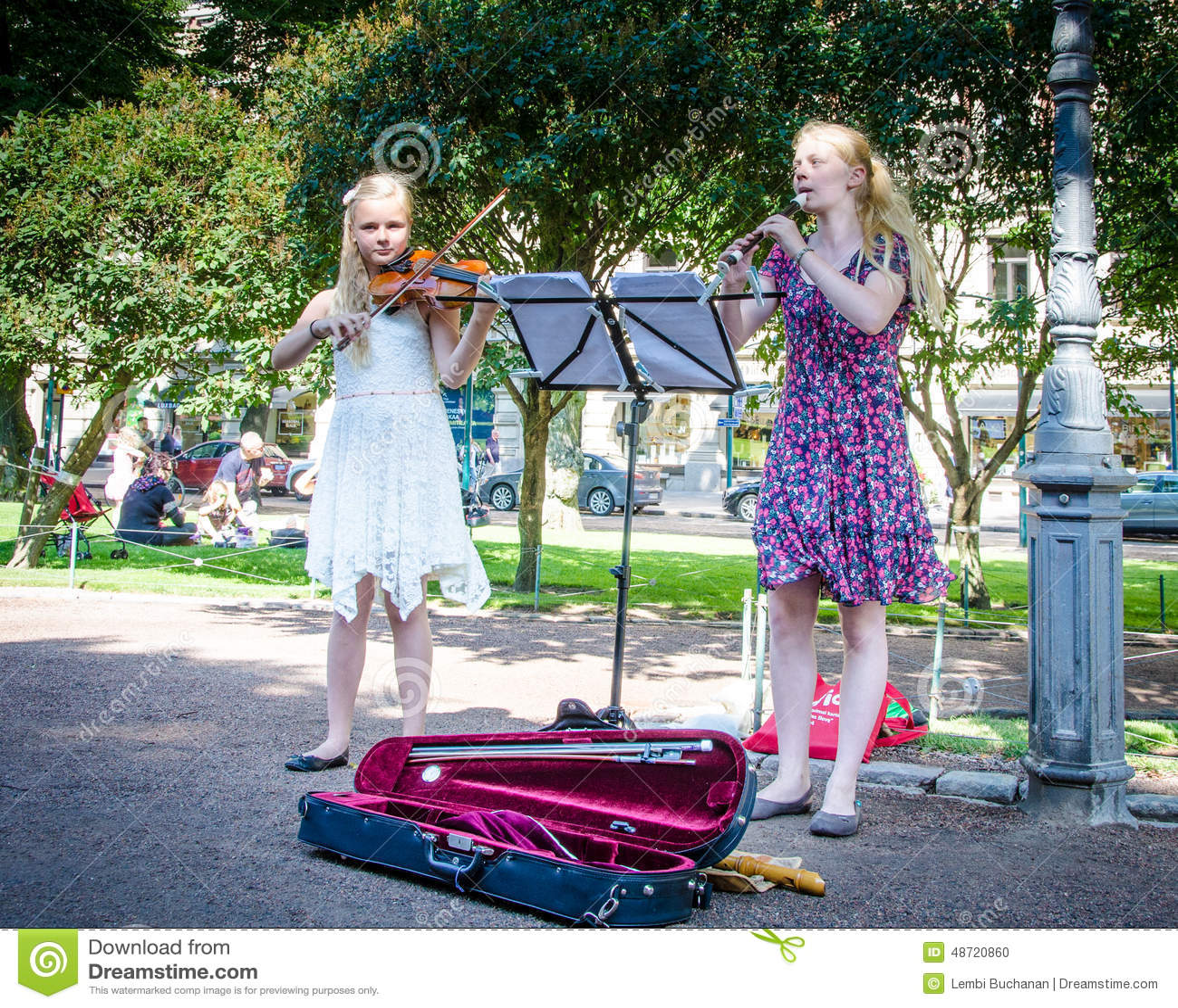 girls entertain visitors in esplanade park in helsinki turkey vulture clipart vulture clipart