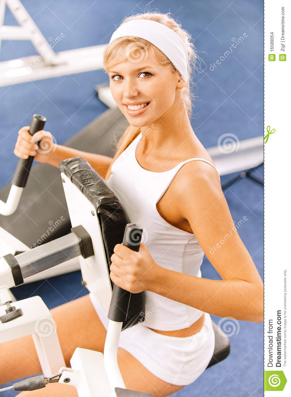 Girls Exercising In Gym Stock Images - Image: 16589054