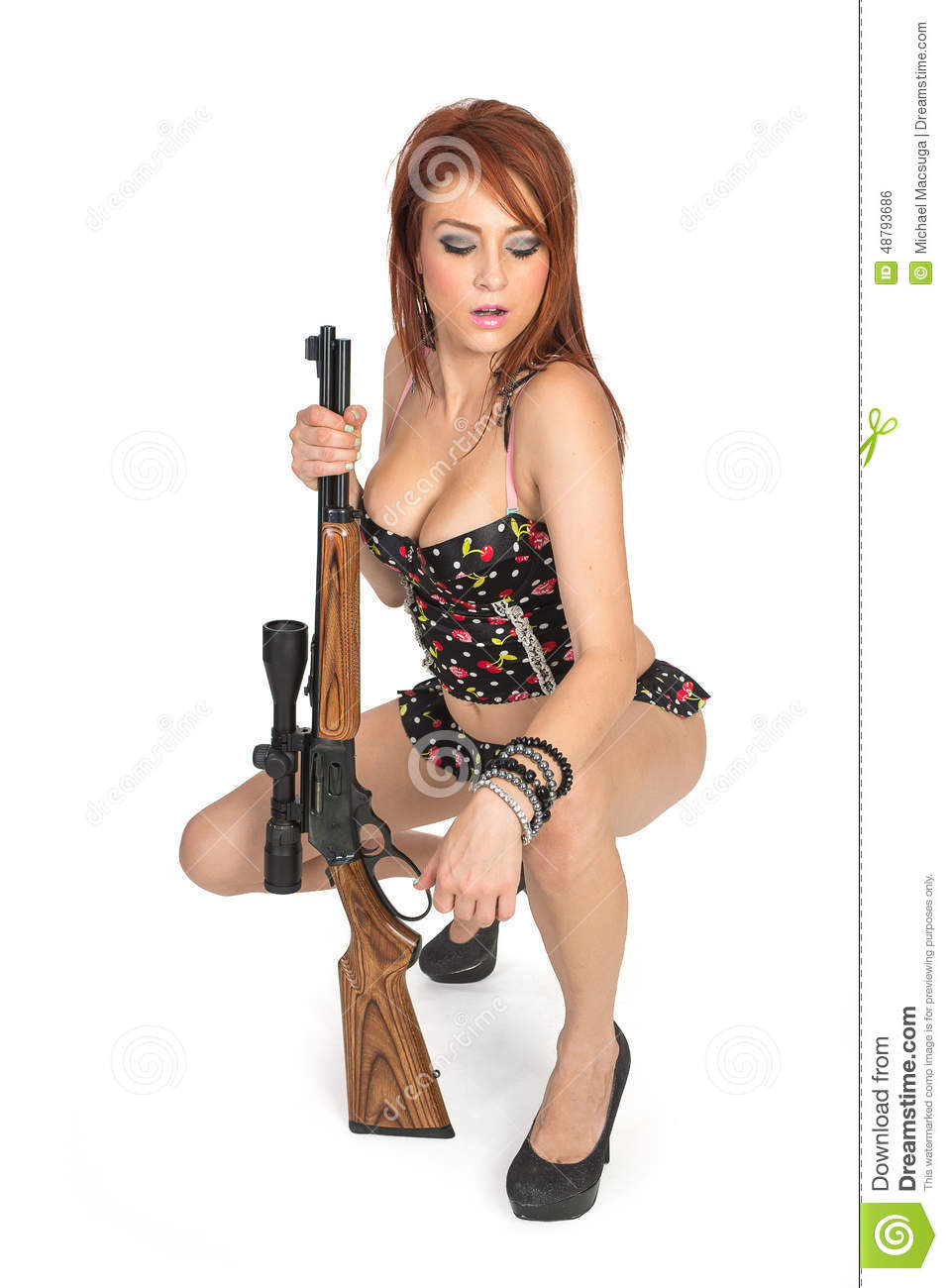 guns with Hot girls