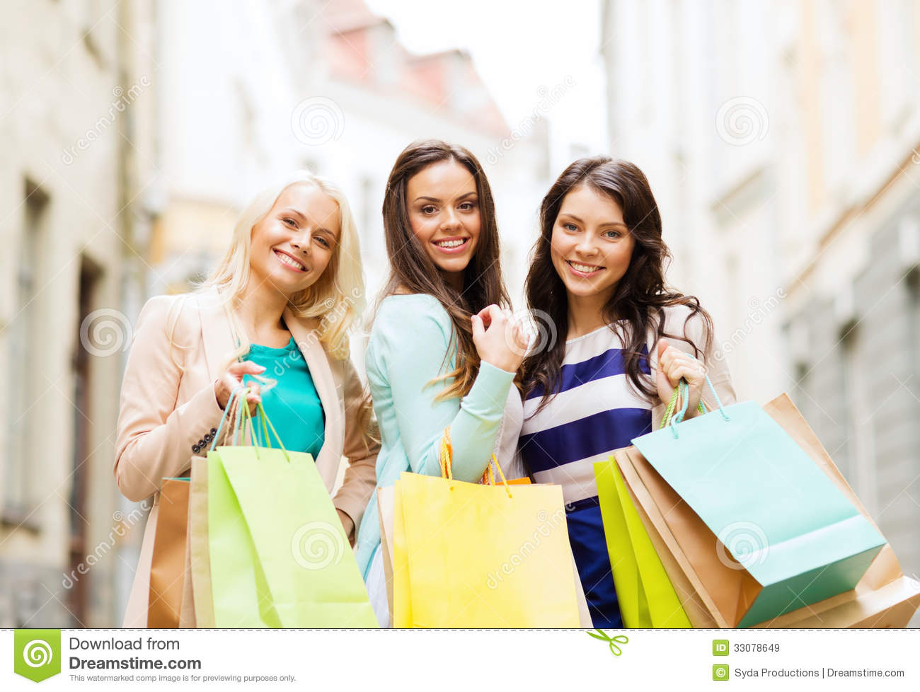 Girls With Shopping Bags In Ctiy Royalty Free Stock Images - Image ...