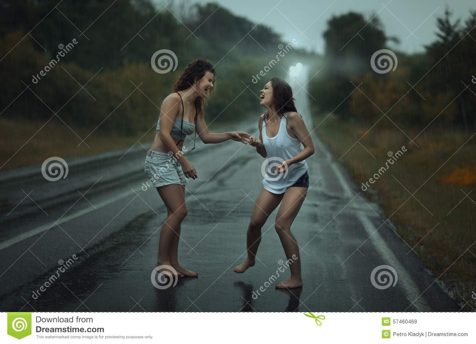 Women fucking me with dildos