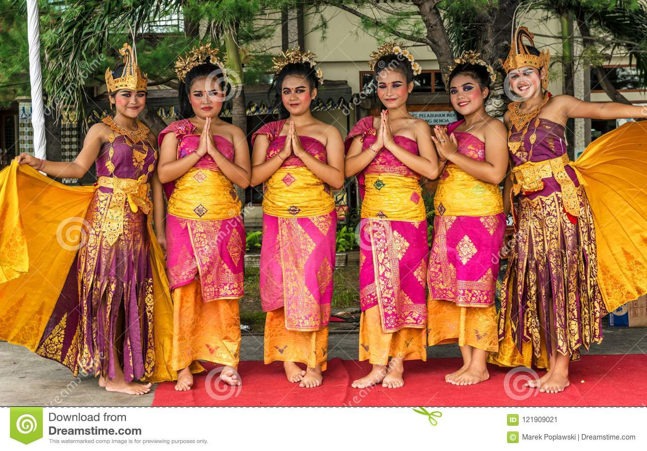 Girls In Traditional Dresses In Beonoa Bali Island Of Indonesia