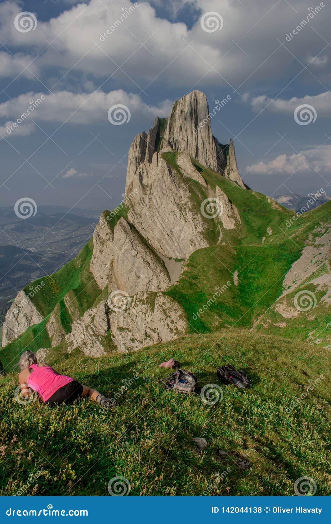 Giro esplorativo attraverso la bella regione montana di Appenzell, Svizzera,