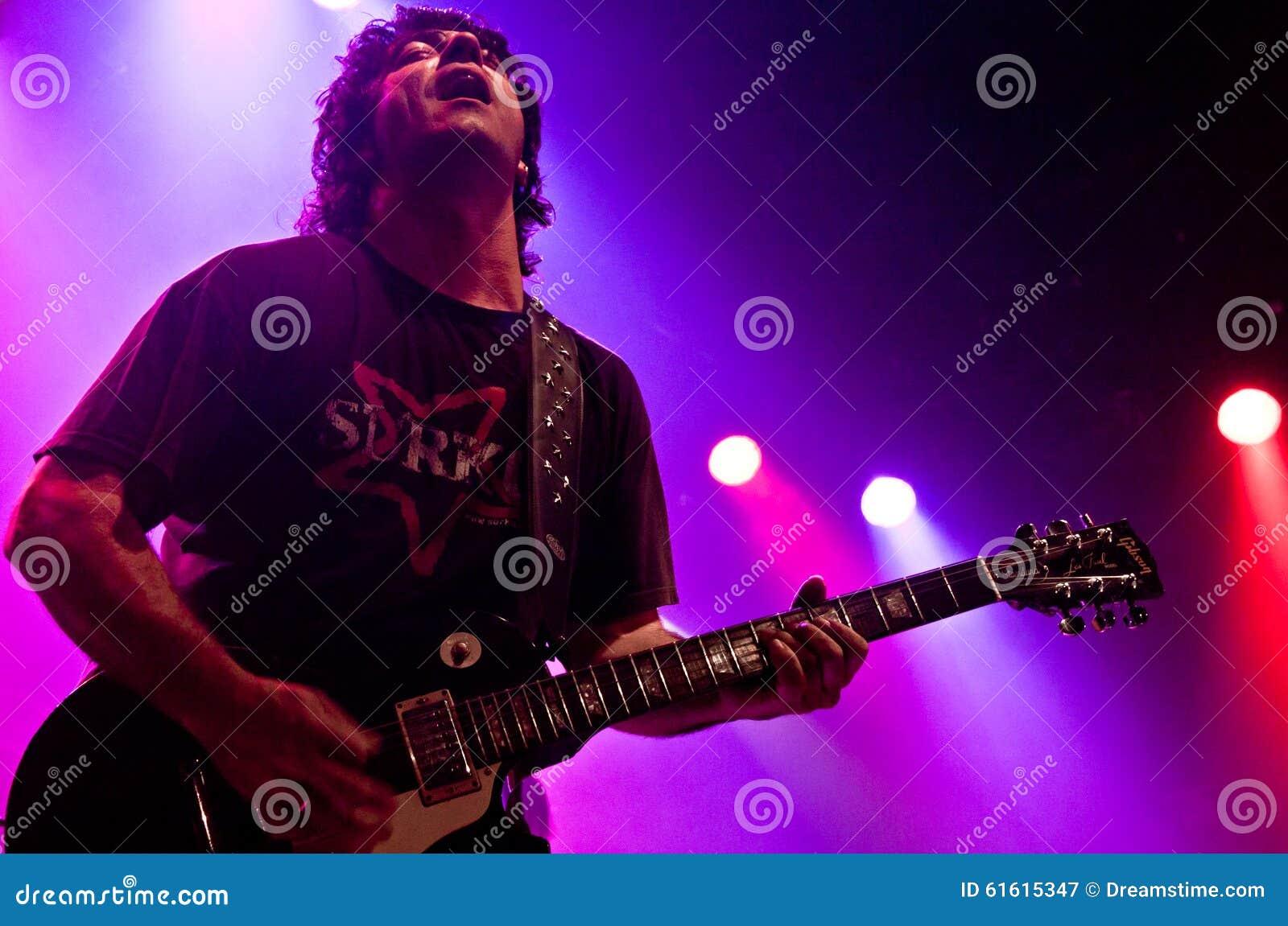 Gitarrspelare i en konsert