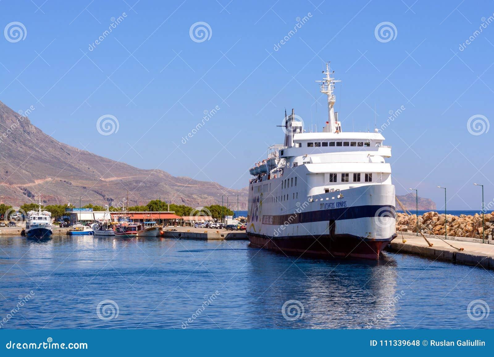 13 giugno 2017, la Grecia La nave da crociera sta sul bacino prima dell invio alla baia di Balos, Grecia