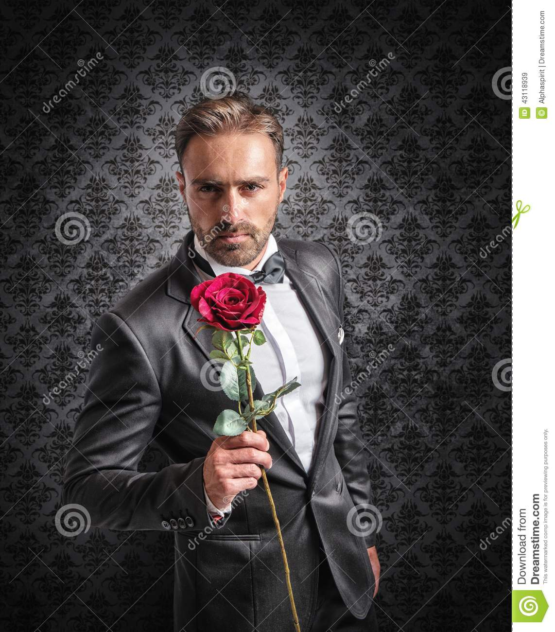 Give a rose on the anniversary