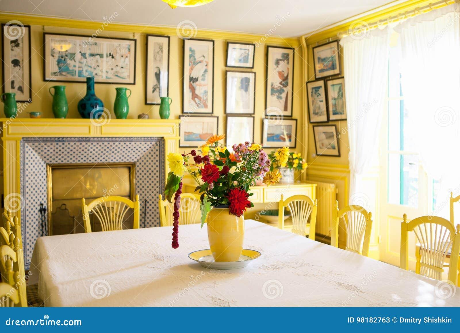 Giverny, Francia - 20 Ottobre 2016: Dentro La Casa Del Pittore ...
