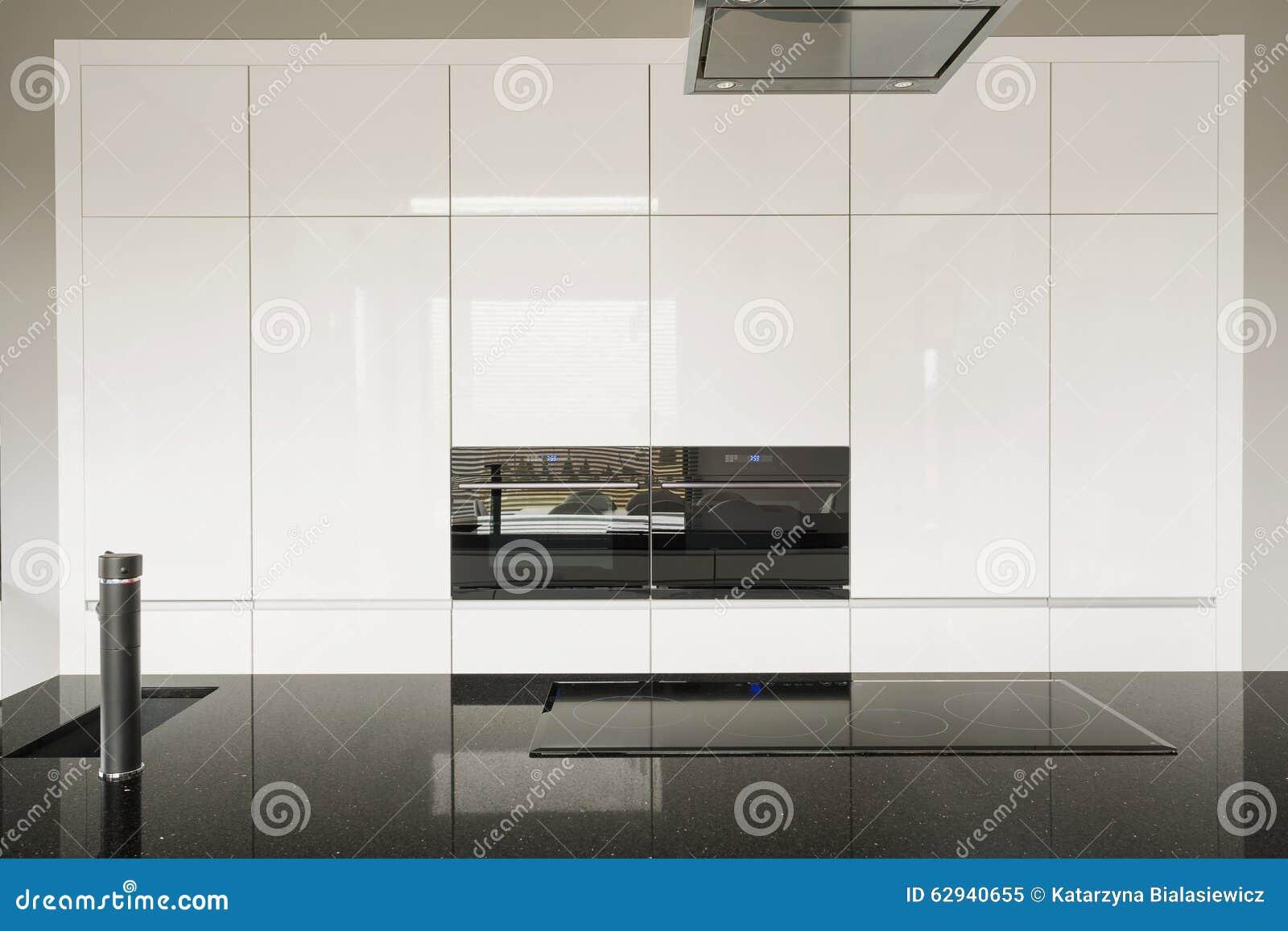 Glänzende Küchenfliesen stockbild. Bild von auslegung - 62940655
