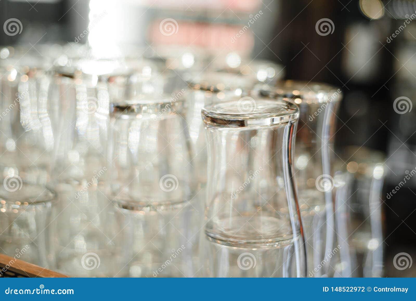 Gläser für Alkohol und Cocktails