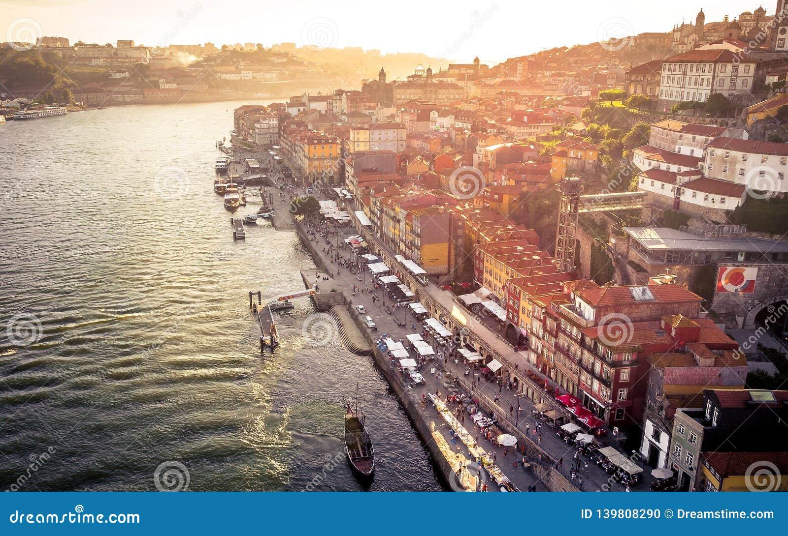 Glättung von Stimmung in Porto, Portugal