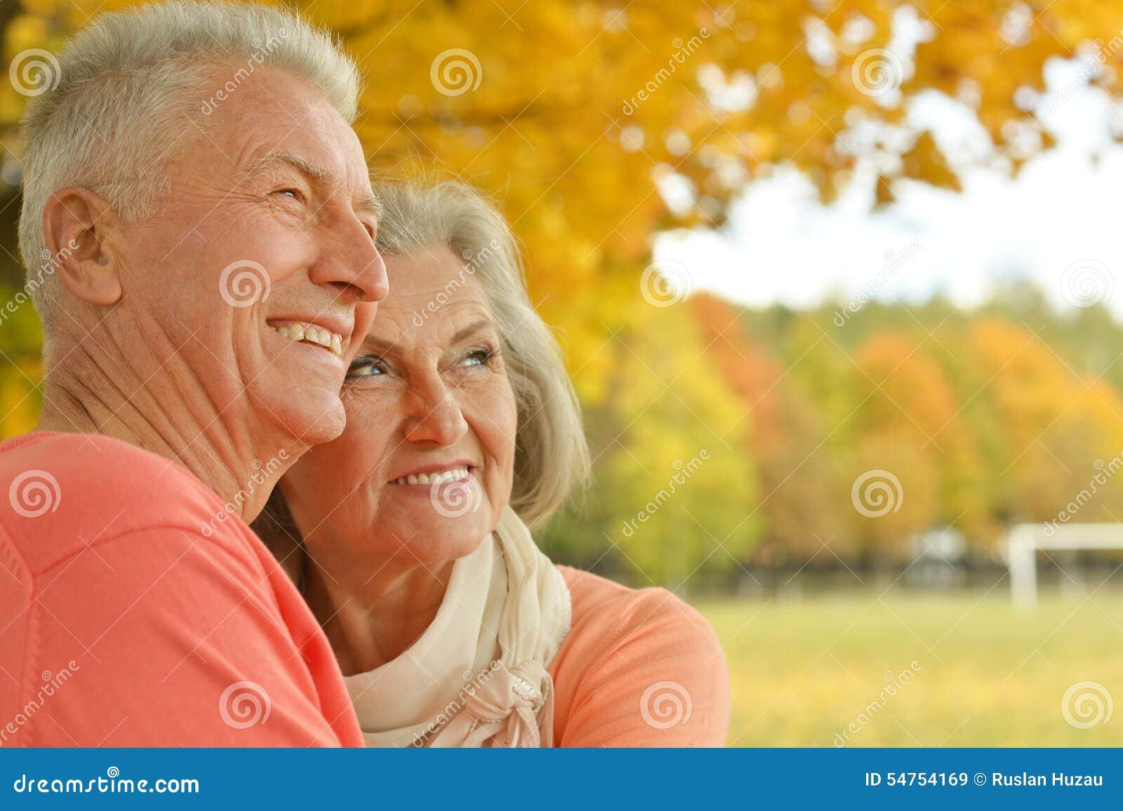 Glückliche alte Leute