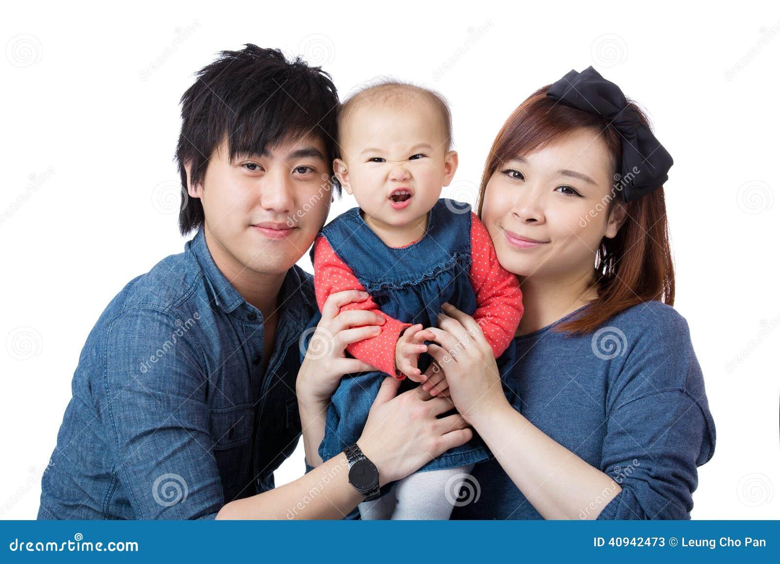Glückliche Asien-Familie