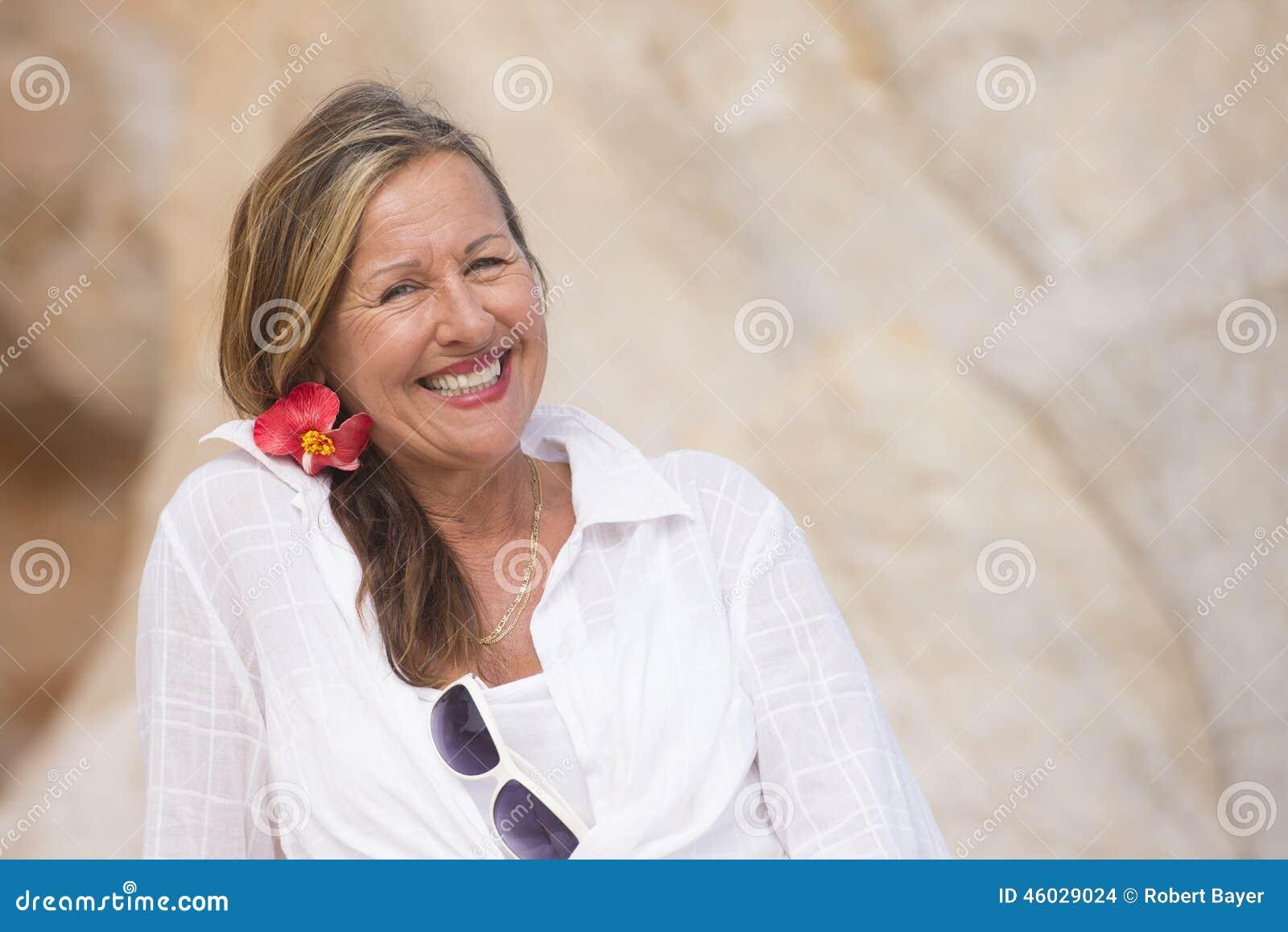 ältere Frauen im Freien