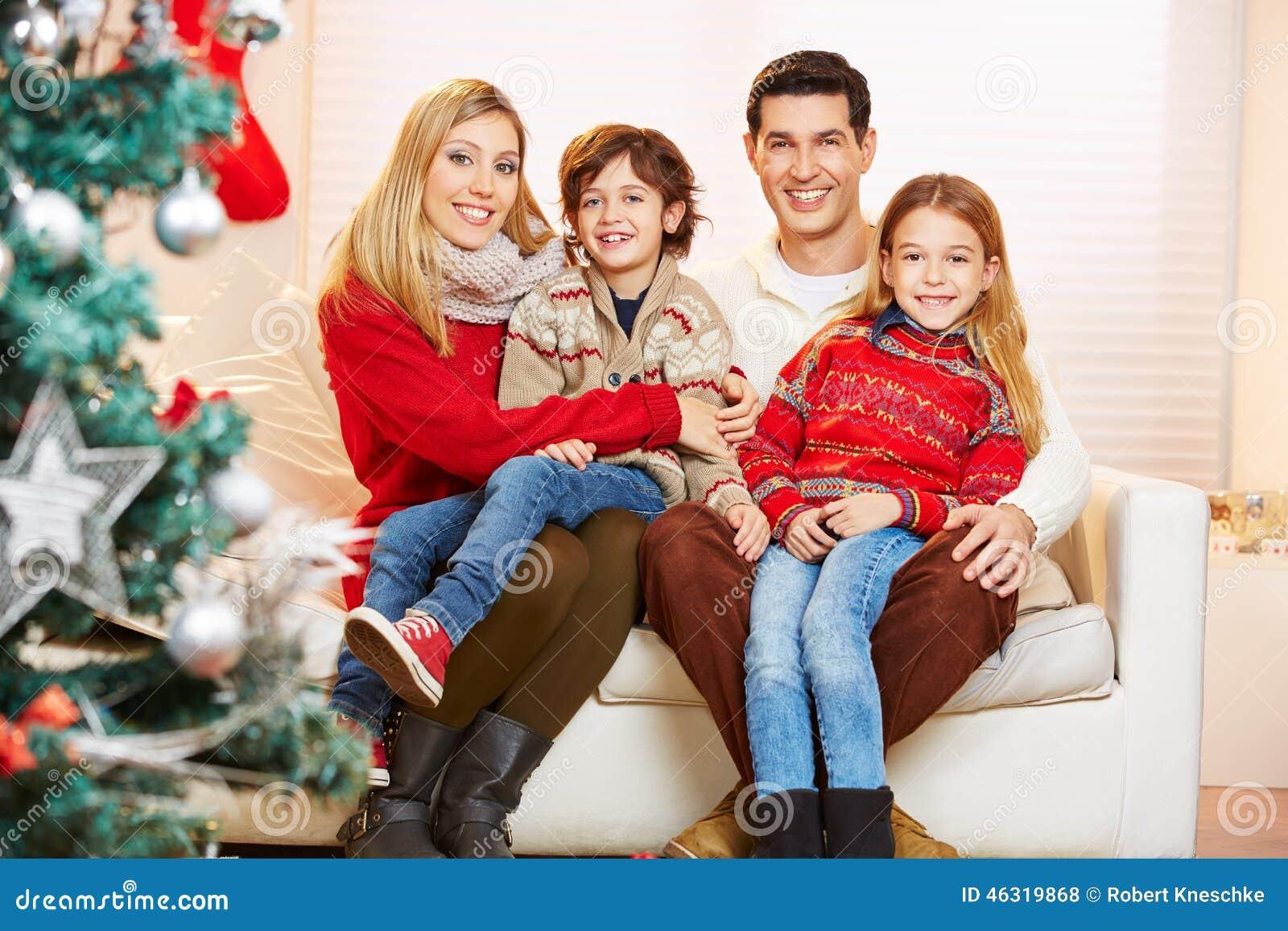eine familie zu weihnachten