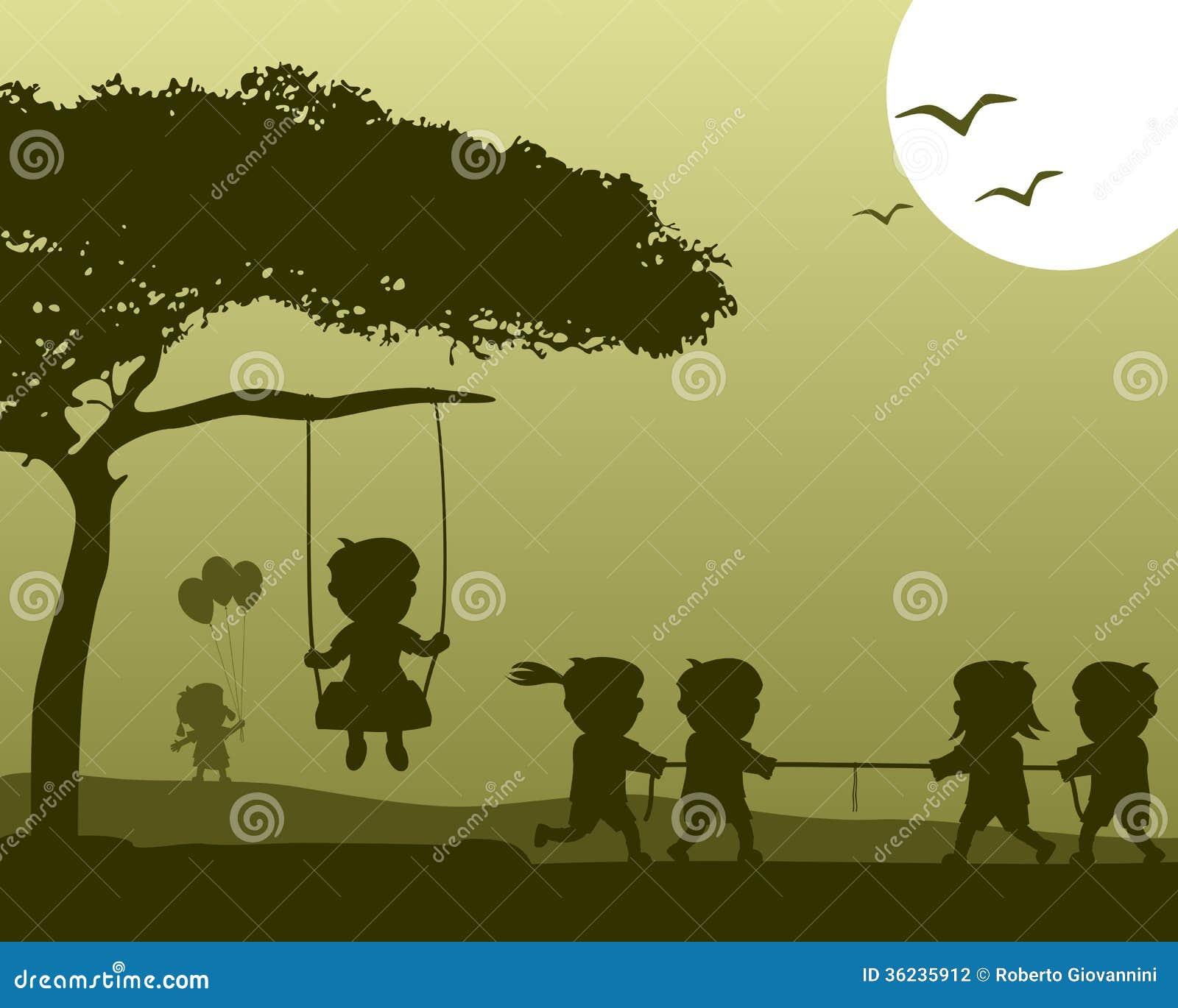 Glückliche Kinder, die Schattenbilder spielen