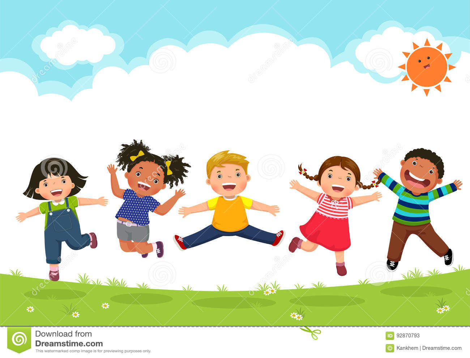 Glückliche Kinder, die zusammen während eines sonnigen Tages springen
