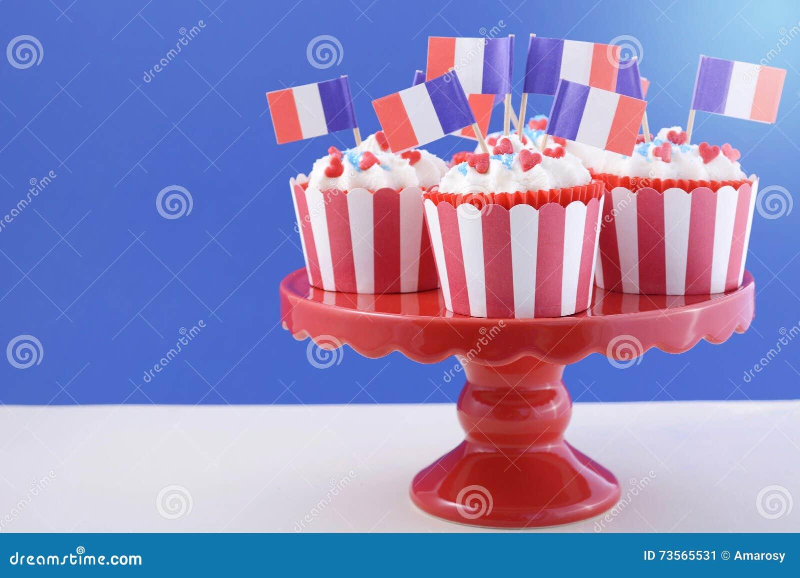 Gluckliche Kleine Kuchen Des Franzosischen Nationalfeiertags
