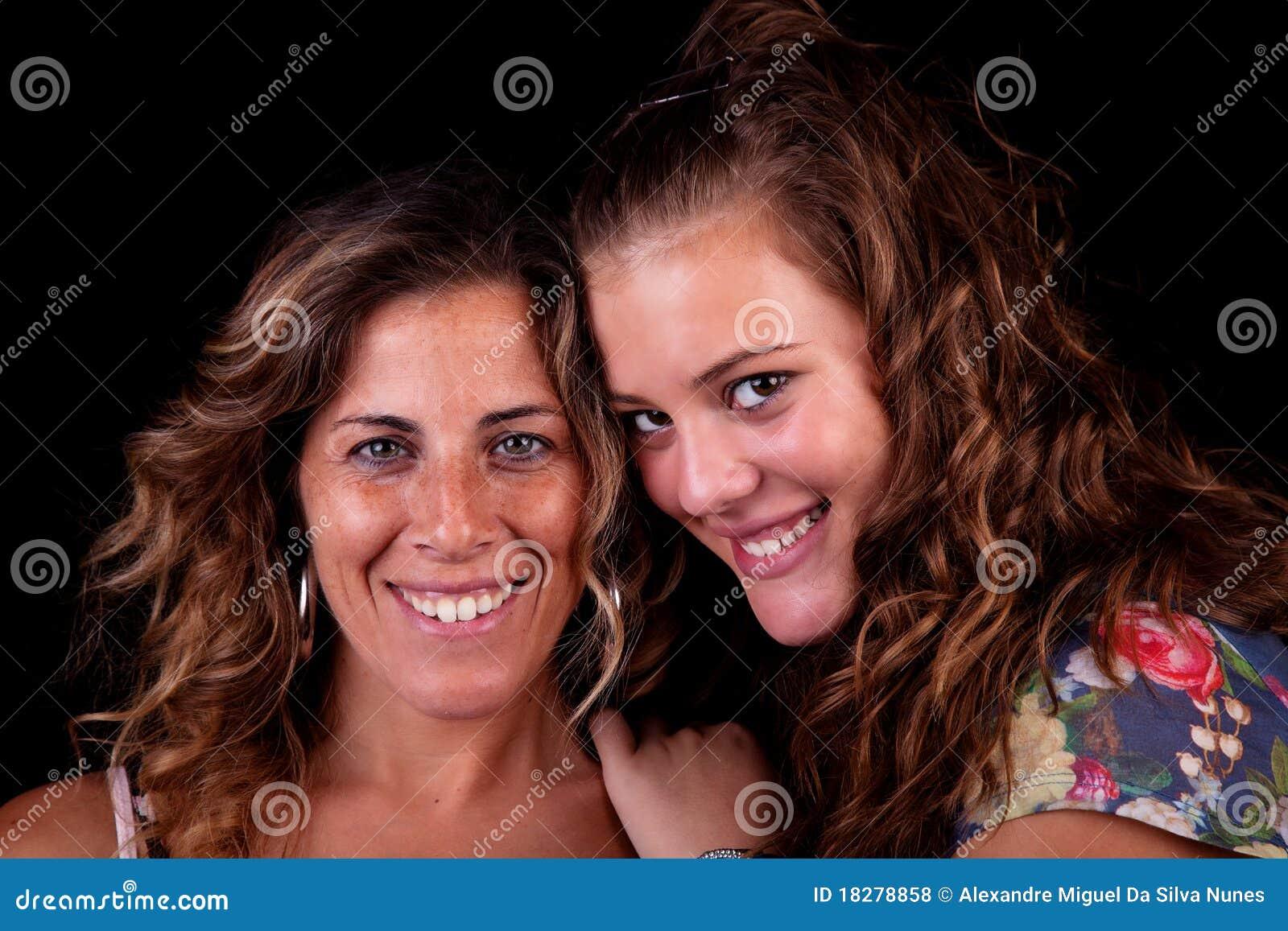 Glückliche Mutter und Tochter