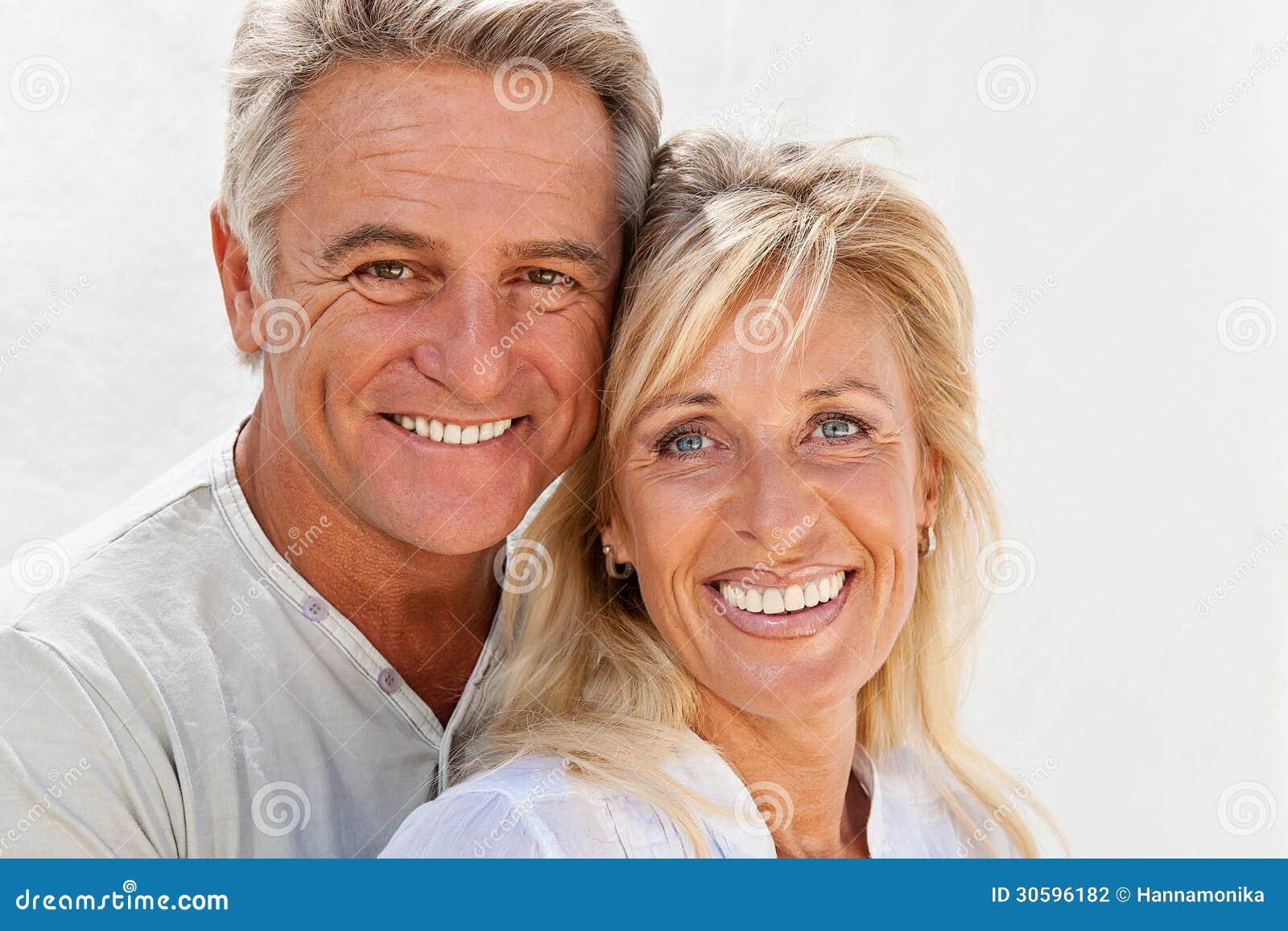 Glückliche reife Paare