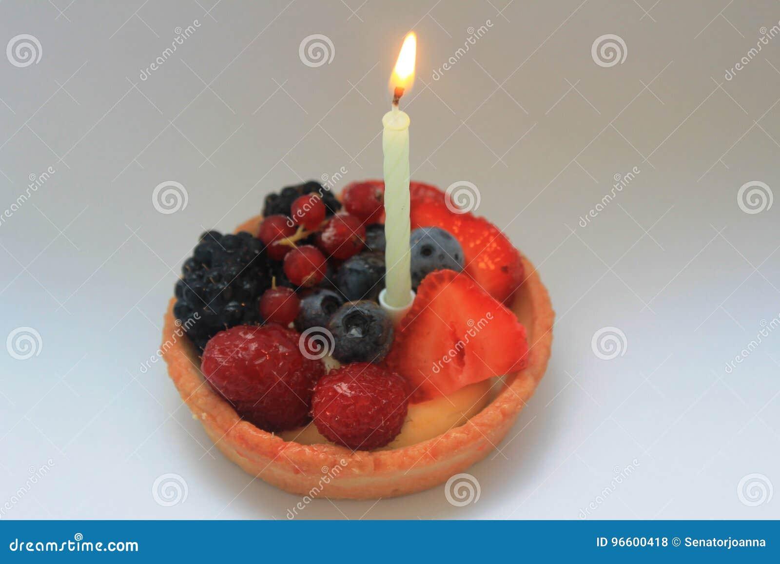 Glucklicher Erster Geburtstag Kuchen Stockfoto Bild Von Gebacken