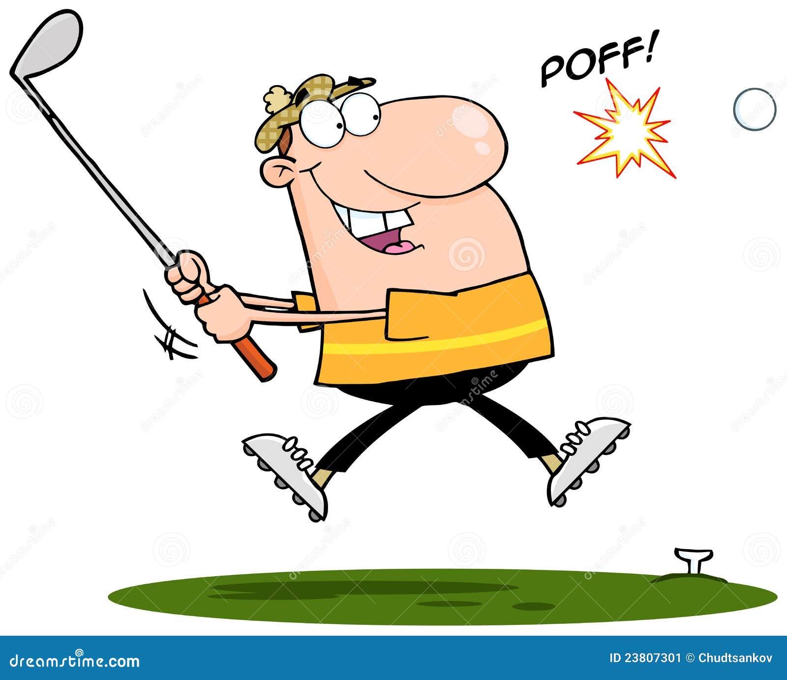 Glücklicher Golfspieler, der Golfball schlägt